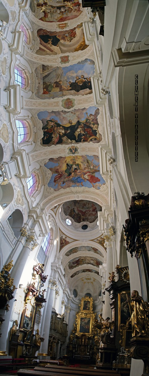 2010-03-prague-eglise-saint-thomas-(svateho-tomase)-verticoramique.jpg