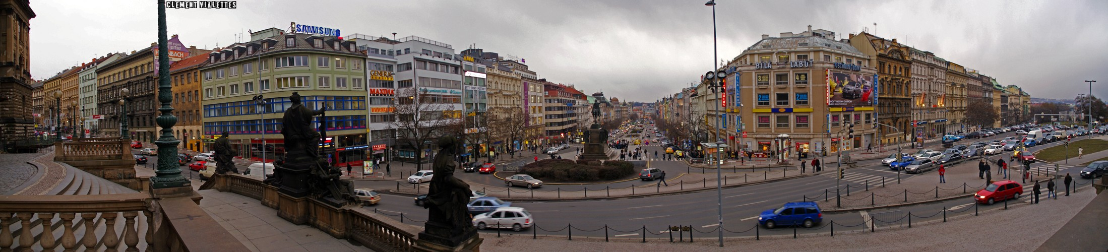 2010-03-prague-la-place-wenceslas-01.jpg