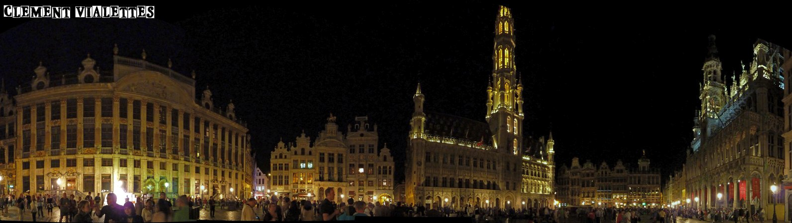 2011-05-bruxelles-grand_place_de_nuit_panoramique_01.jpg